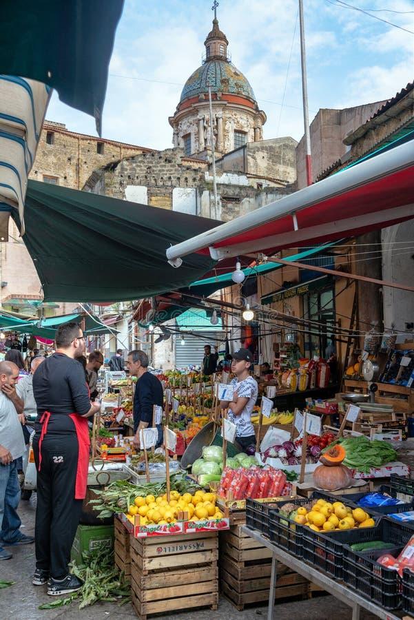 Marché de Ballaro à Palerme, Italie images libres de droits
