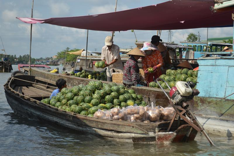 Marché de flottement Cai Rang de delta du Vietnam - du Mékong photo stock