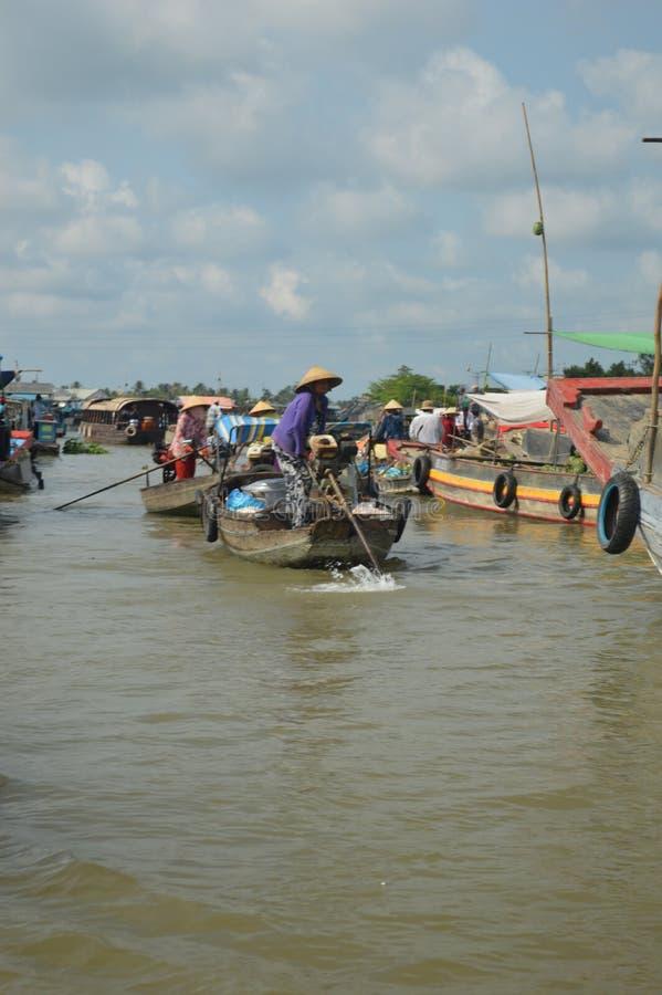 Marché de flottement Cai Rang de delta du Vietnam - du Mékong photographie stock libre de droits