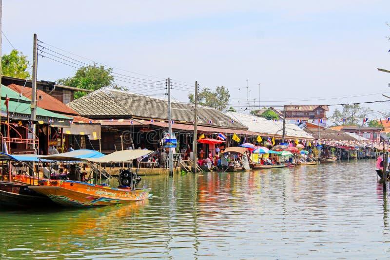 Marché de flottement d'Amphawa, Amphawa, Thaïlande photographie stock libre de droits