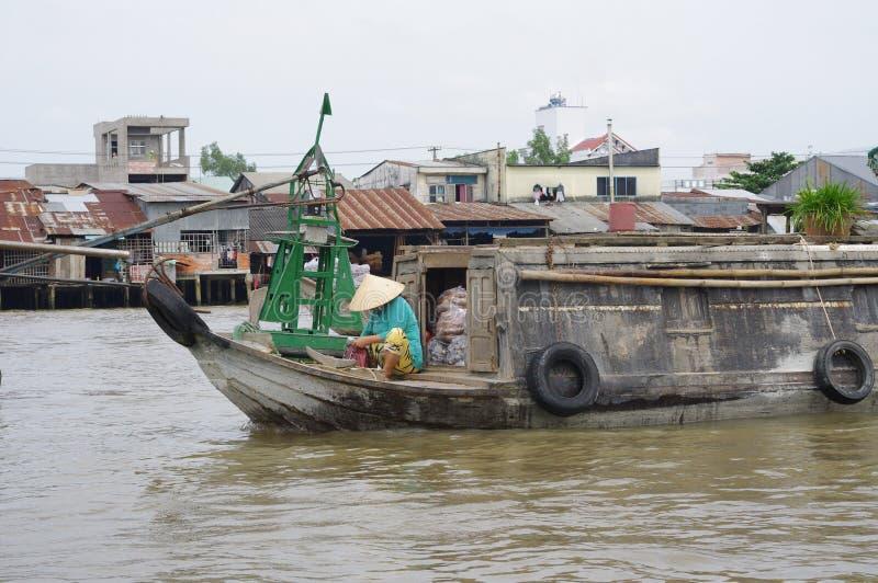 Marché de flottement de Can Tho dans le delta du Mékong images stock