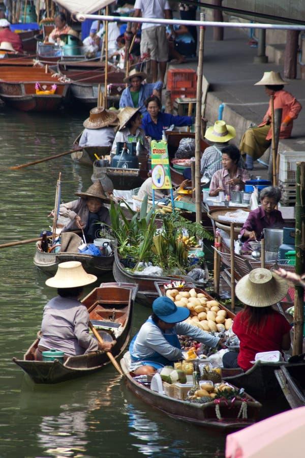 Marché de flottement de Damnoen Saduak - Thaïlande image stock