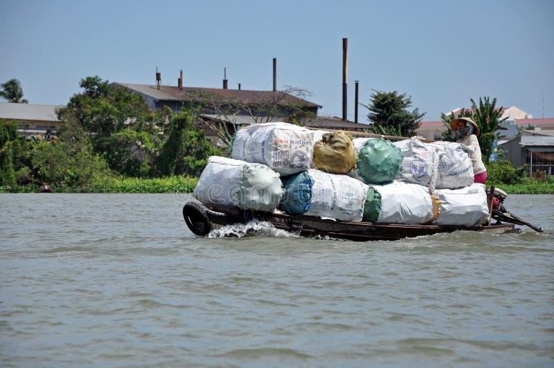 Marché de flottement de delta du Mékong, Vietnam photo stock