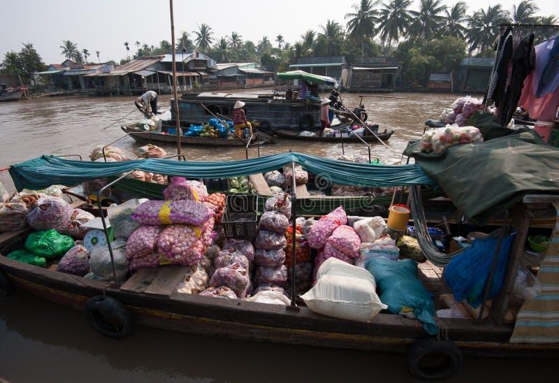 Marché de flottement de delta du Vietnam, le Mékong photographie stock libre de droits