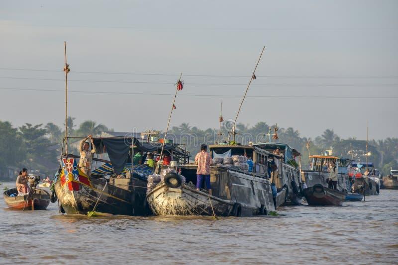 Marché de flottement, delta du Mékong, Can Tho, Vietnam photographie stock libre de droits