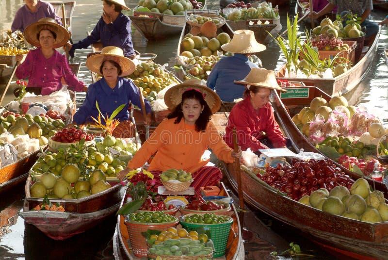 Marché de flottement en Thaïlande. image libre de droits