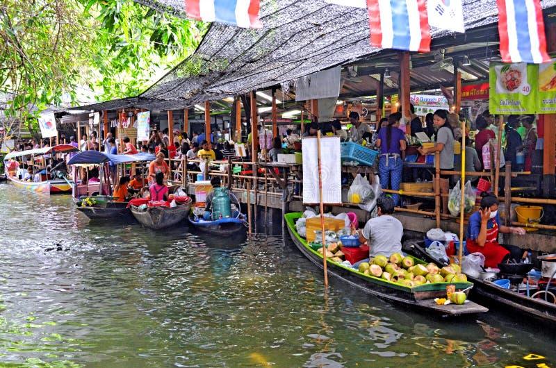 Marché de flottement de Mayom de Lat de Khlong à Bangkok images stock