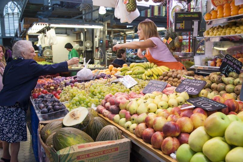 Marché de fruit à Valence - en Espagne images stock