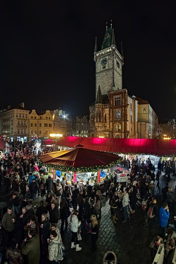 Marché de Noël sur la vieille place à Prague, République Tchèque image libre de droits
