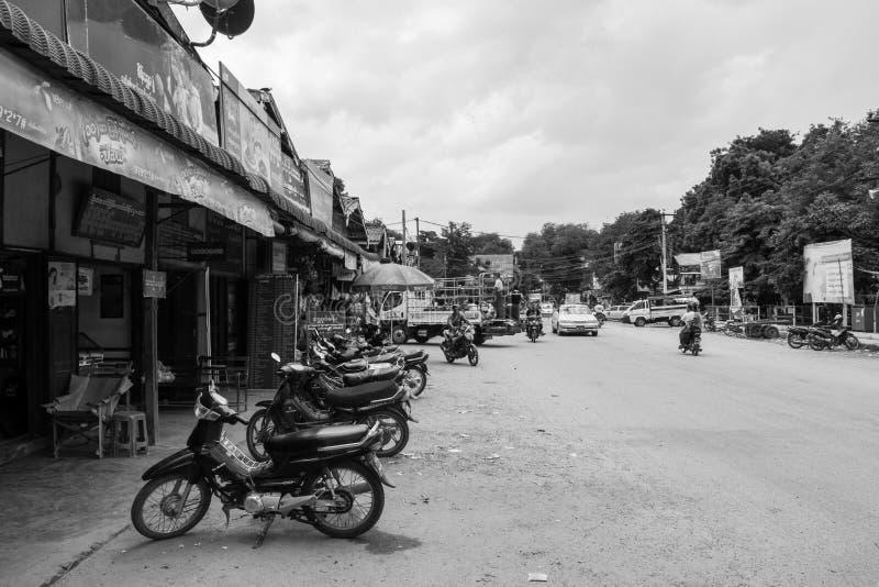 March? birman de Nyaung-U, avec des stalles vendant diff?rents articles, pr?s de Bagan, Myanmar photographie stock libre de droits