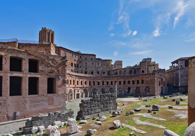 March?s du march? de Trajan de Trajan, un grand complexe des ruines dans la ville de Rome, Italie, situ?e sur par l'interm?diaire photos stock