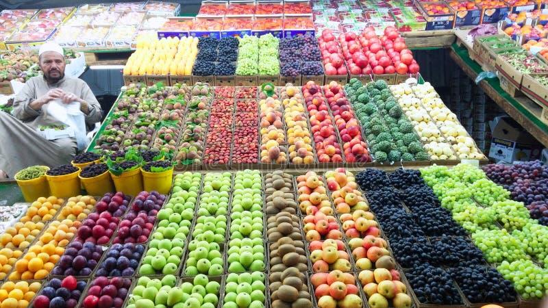 Marchand de légumes de rue photographie stock libre de droits