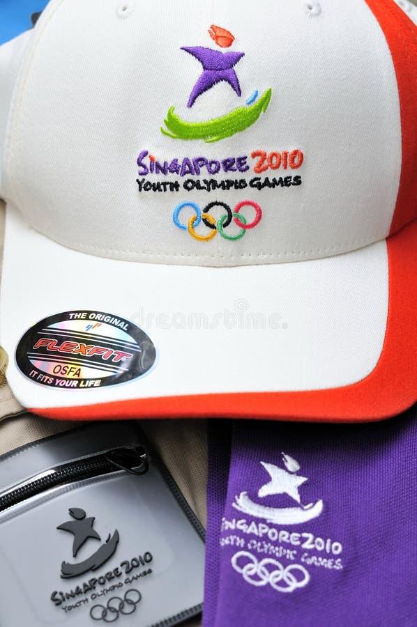 Marchandises officielles de Jeux Olympiques de la jeunesse photographie stock libre de droits