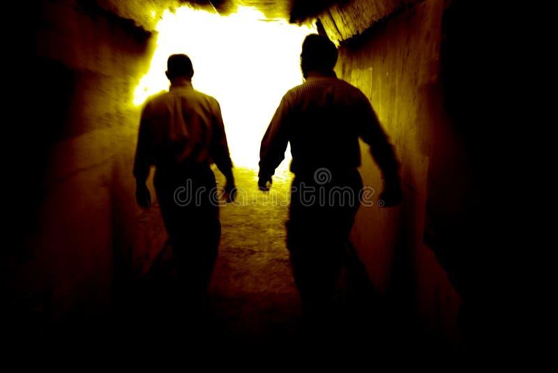 Marche à la lumière photos stock