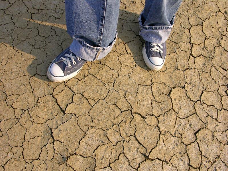 Marche dans le désert photos libres de droits