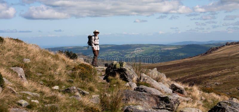 Marche dans Snowdonia images stock