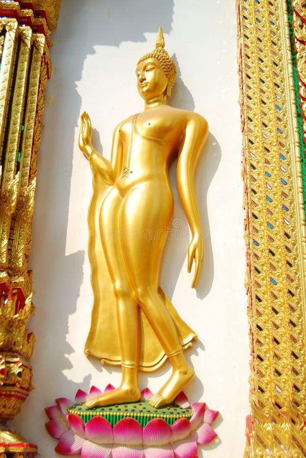 Marche de Bouddha. photos stock
