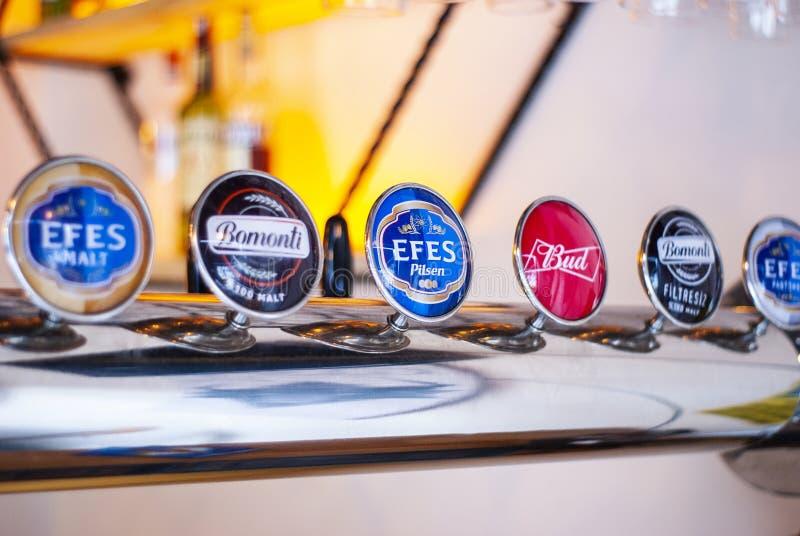 Marche della birra su un erogatore della birra fotografia stock