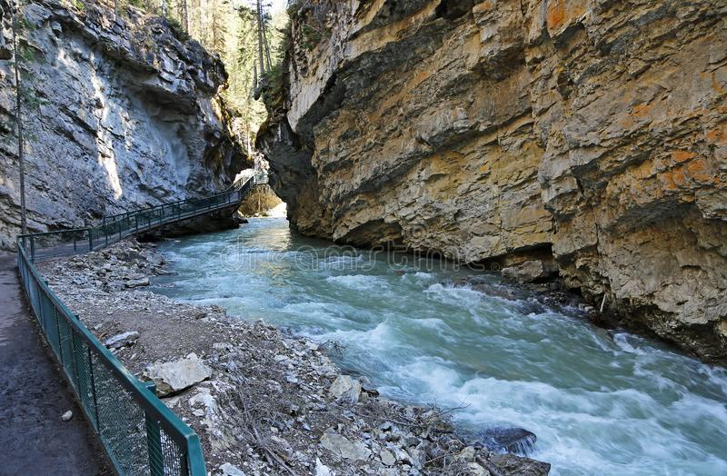 Marche en Johnston Canyon photo libre de droits