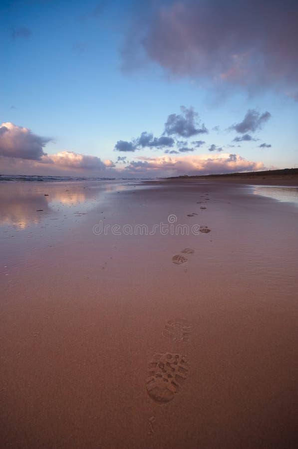 Marchepieds dans le sable photos libres de droits