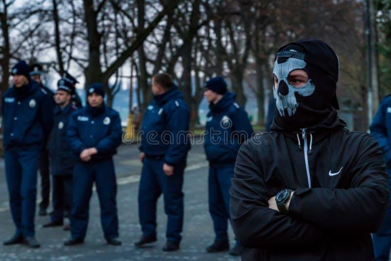 Marchersåterkallelsehjältar av Carpathian Ukraina i Uzhhorod arkivfoto