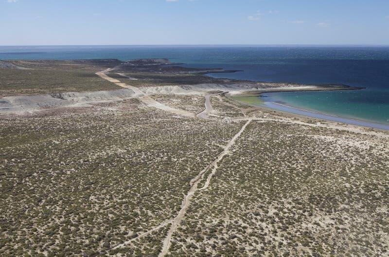 Marchez après Punta Loma près de Puerto Madryn, une ville dans la province de Chubut, Patagonia, Argentine image stock