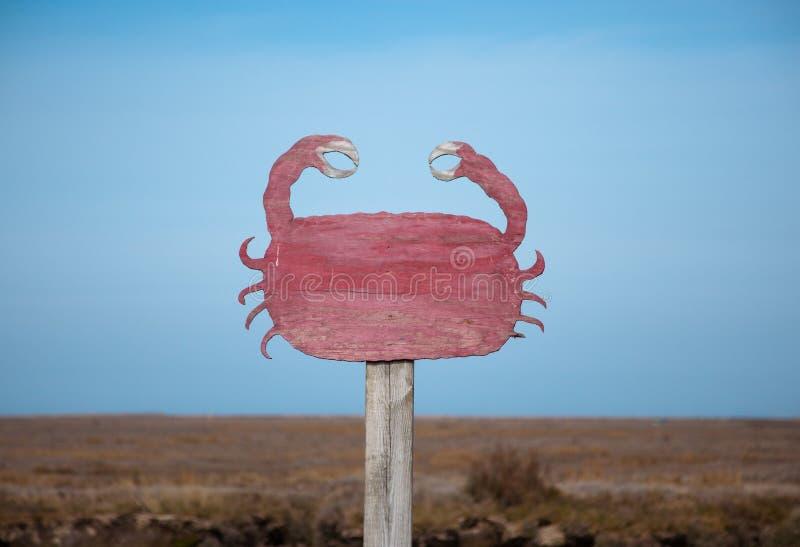 Marchez en crabe le signe près du quai d'Orford, Orfordness, Suffolk, Angleterre photo stock