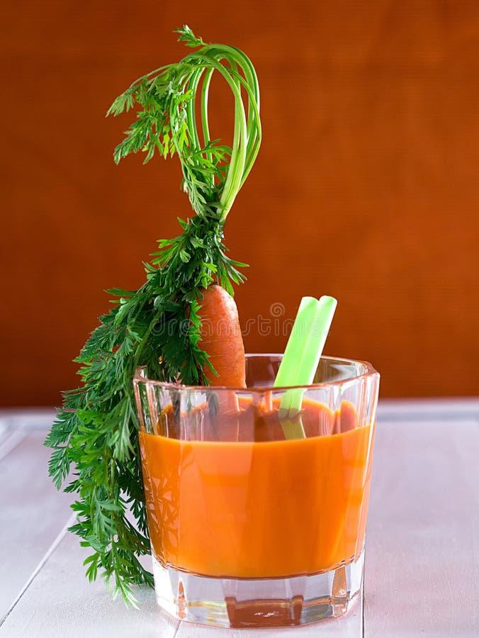 Marchwiany sok w szkle zdjęcie stock