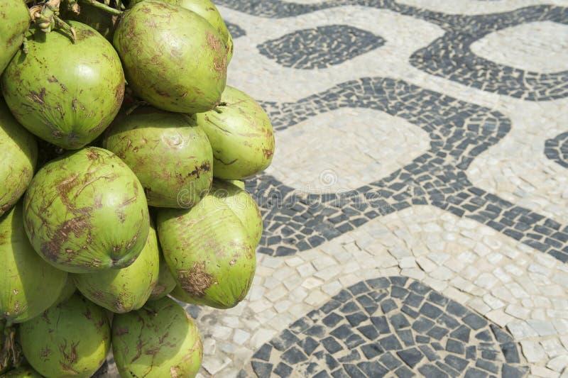 Marciapiede di Rio de Janeiro Brazil Coconuts Ipanema fotografia stock