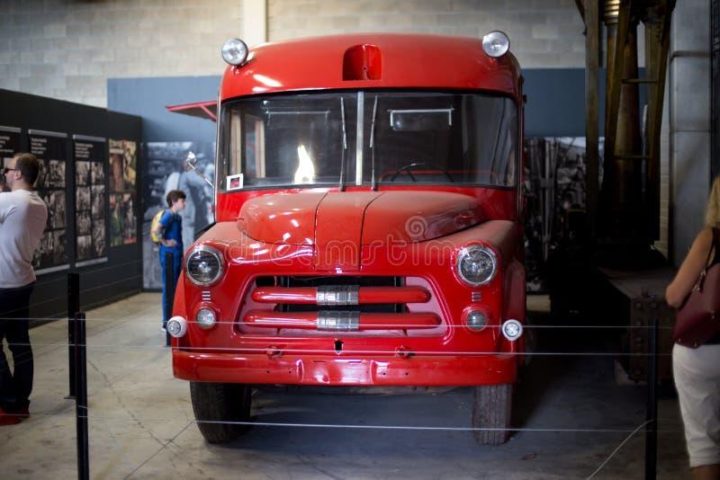 MARCINELLE - SIERPIEŃ 6, 2017: Pojazd używać słóżba ratownicza przy górniczą katastrofą przy Bois Du Cazier w 1956 fotografia stock