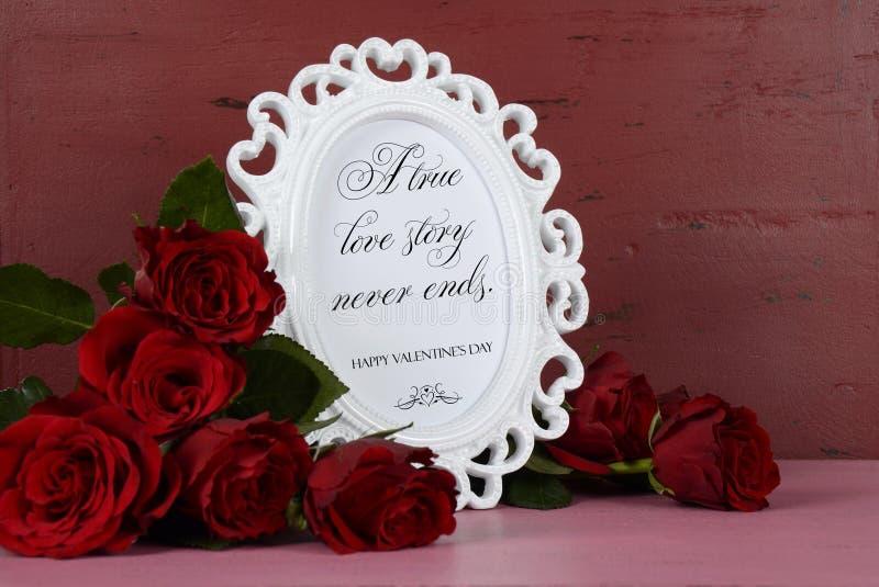 Marco blanco de la foto del estilo romántico del vintage del día de tarjetas del día de San Valentín foto de archivo