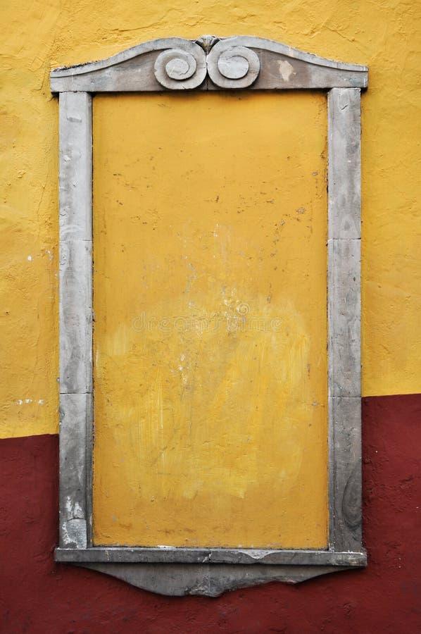 Marco colonial rústico del cemento imagen de archivo libre de regalías