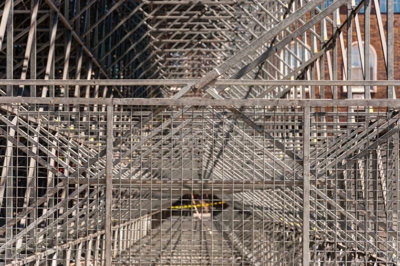 Marco de acero de la construcción del metal que dirige las líneas geometría fotos de archivo libres de regalías