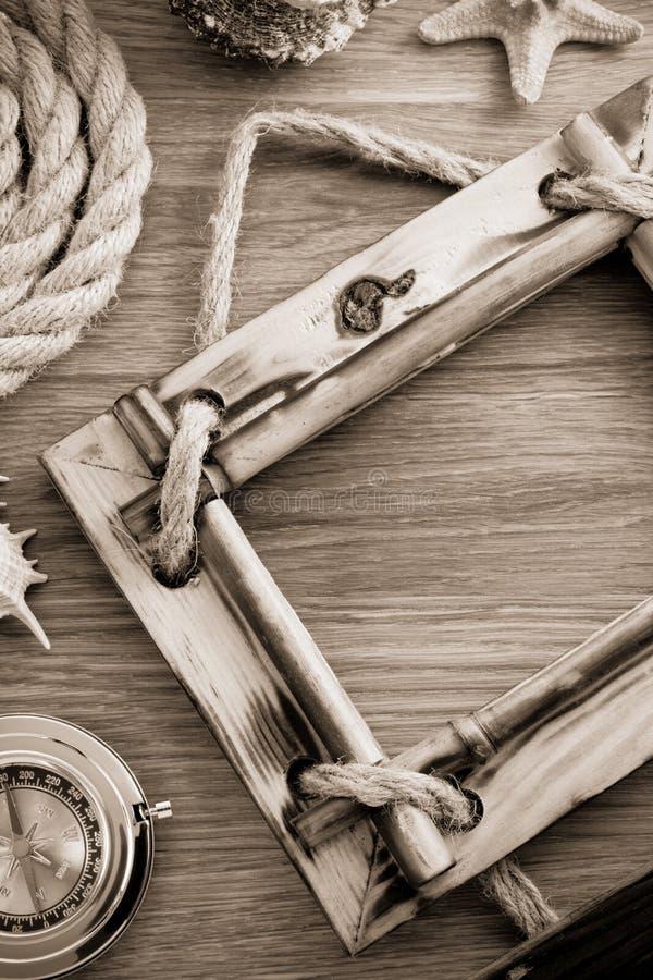 Marco de la foto en la madera imágenes de archivo libres de regalías