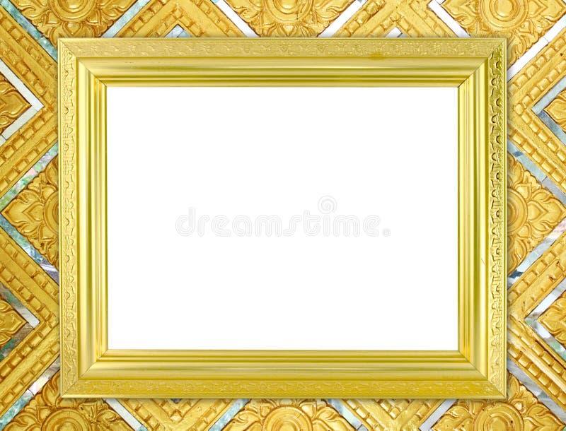 Marco de oro en blanco en la pared tailandesa de Buda del estilo imagen de archivo libre de regalías