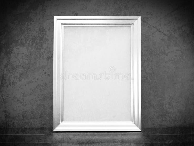 Marco de plata blanco en interior abandonado foto de archivo libre de regalías