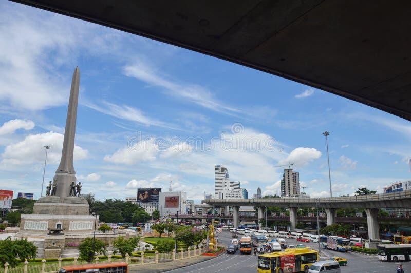 Marco de Tailândia do monumento da vitória para oficiais do exército memoráveis e civis dos polícias que fotografia de stock