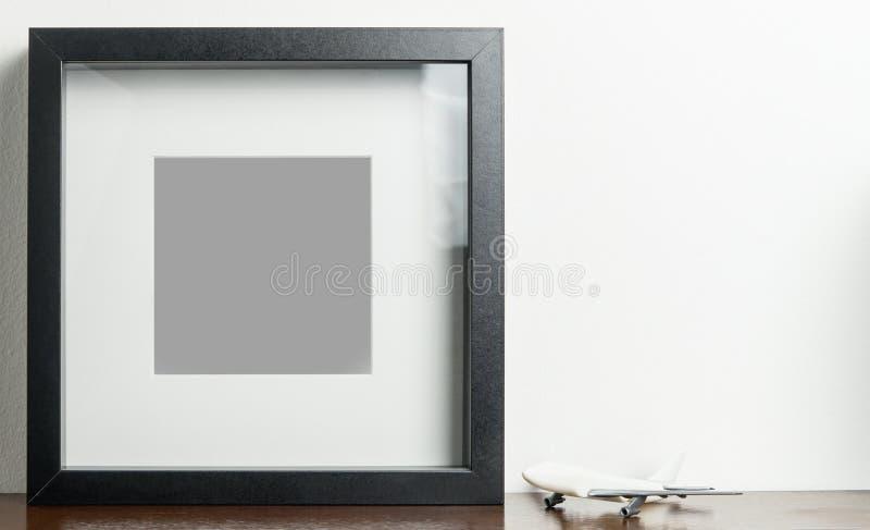 Marco del negro del espacio en blanco del transporte aéreo para la foto fotos de archivo