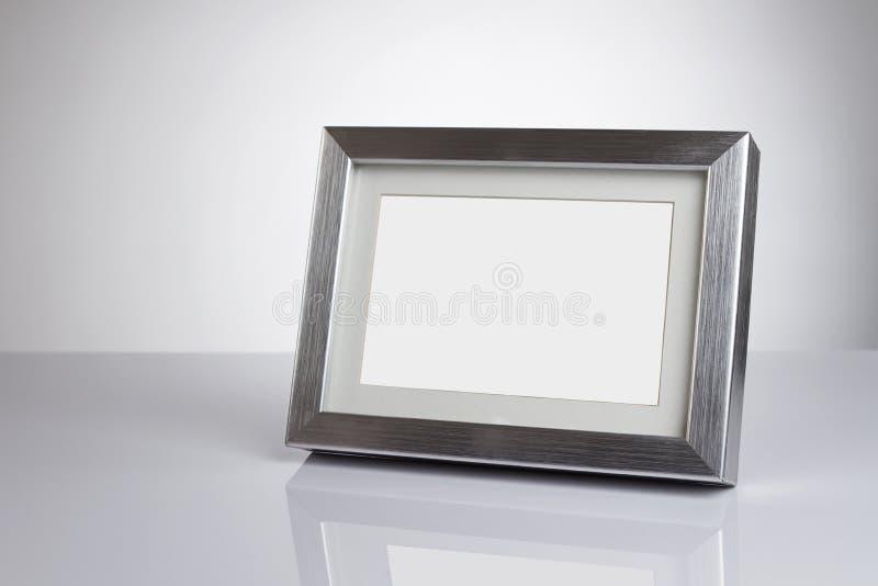 Marco en blanco con el camino de recortes imagen de archivo libre de regalías