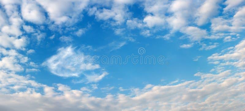 Marco hermoso del cielo y de las nubes imágenes de archivo libres de regalías