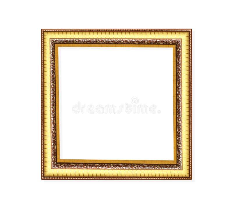 Marco magnífico del oro del metal de la decoración con la talla de los estampados de plores aislados en el fondo blanco con la tr imagenes de archivo