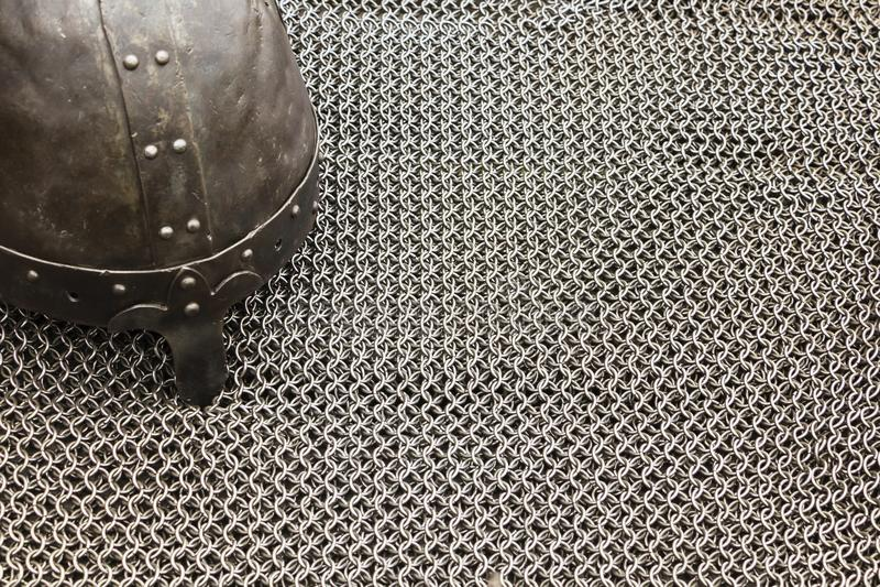 Marco medieval del correo de la armadura del ` s del caballero Textura del chainmail de un caballero medieval de la armadura, mod imagenes de archivo
