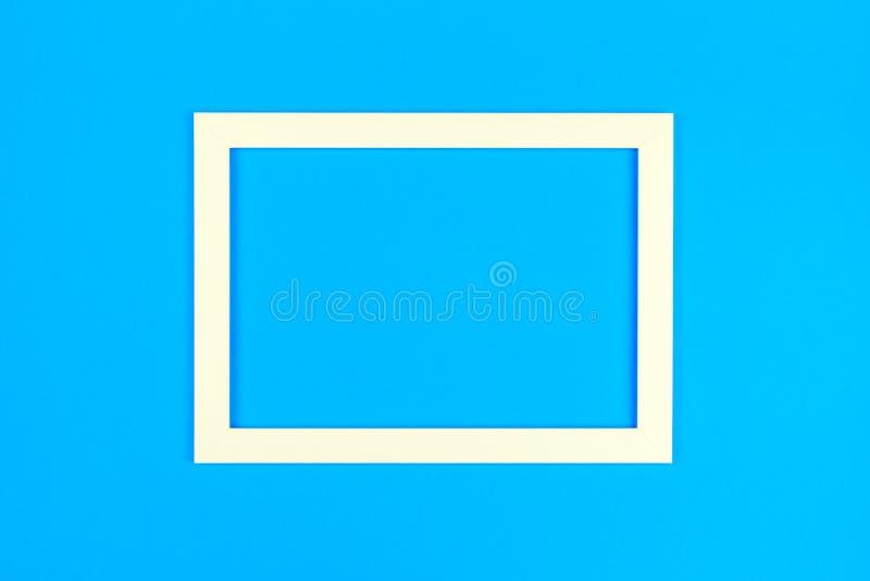 Marco vacío en fondo coloreado en colores pastel texturizado imagen de archivo