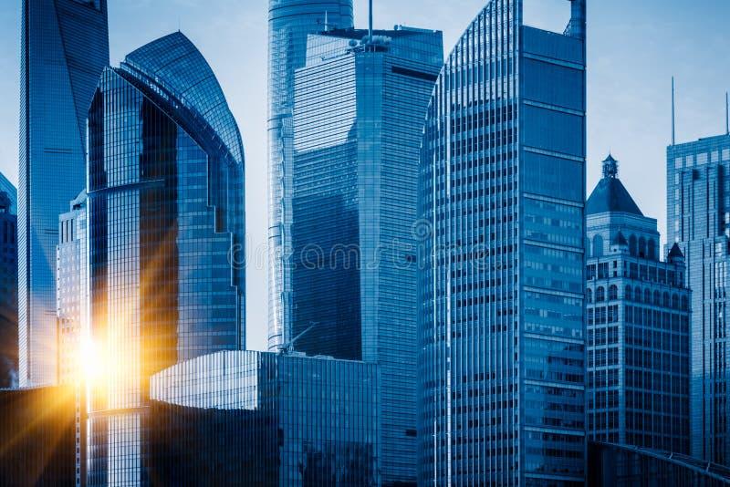 Marcos de Shanghai, grupo de construções modernas do negócio foto de stock royalty free