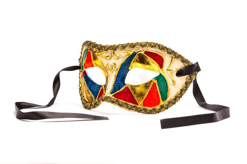 Mardi Gras Mask colorido en el fondo blanco con la cinta negra ( fotos de archivo libres de regalías