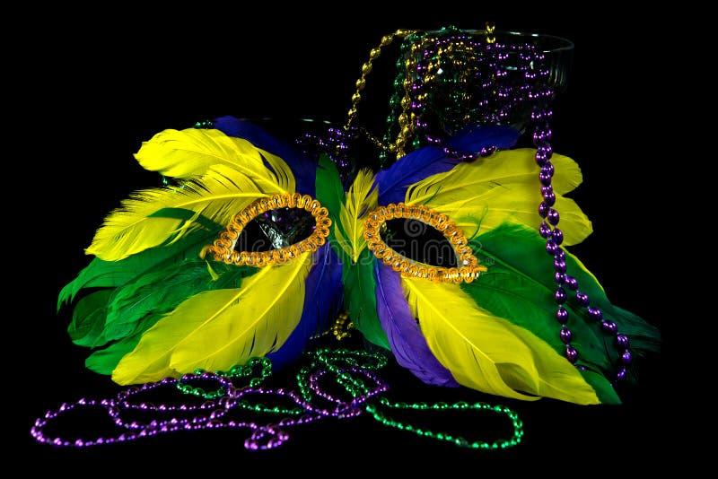 Mardi Gras maskerings- och partipärlor royaltyfria bilder