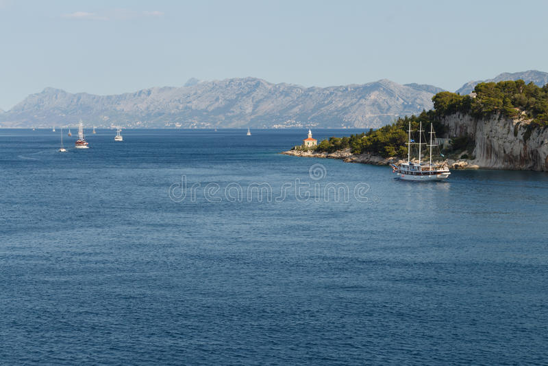 Mare adriatico in Croazia, città di Makarska fotografie stock