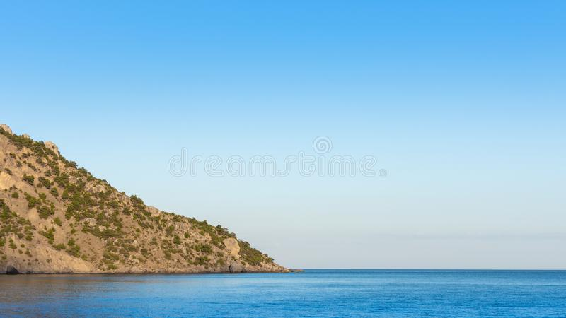 Mare blu sereno calmo fotografia stock
