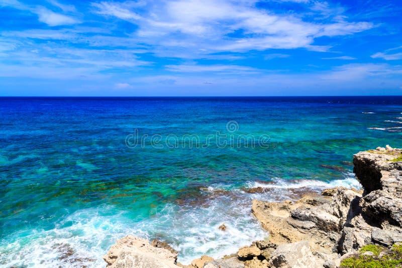 Mare caraibico Cielo blu Mujeres Messico di Isla fotografie stock libere da diritti