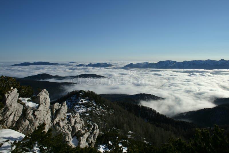Download Mare delle nubi fotografia stock. Immagine di hiking, inverno - 7306864